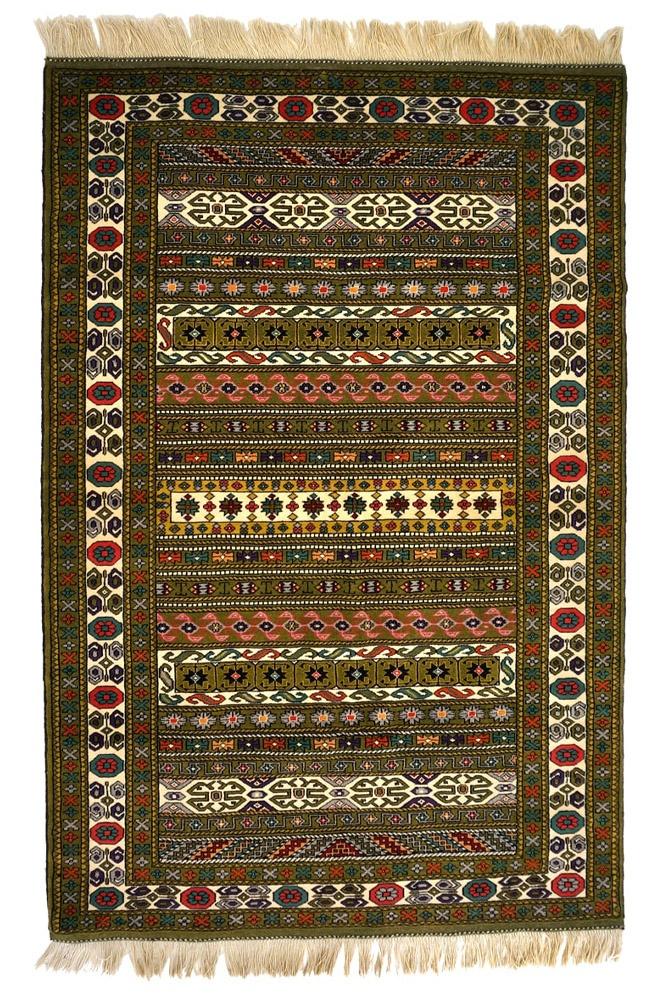 فرش دستباف ترکمن ۳۳۰/۴