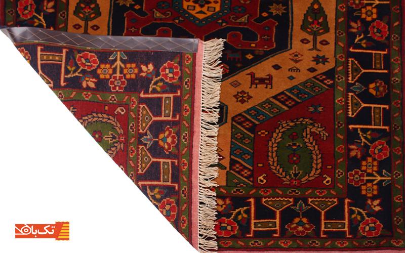 حاشیه و متن فرش دستباف